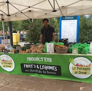 Hugues Pamart au stand de la gare d'Épernon
